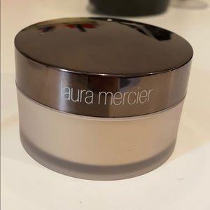 Laura Mercier translucent setting powder